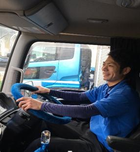 トラック 運転手 求人